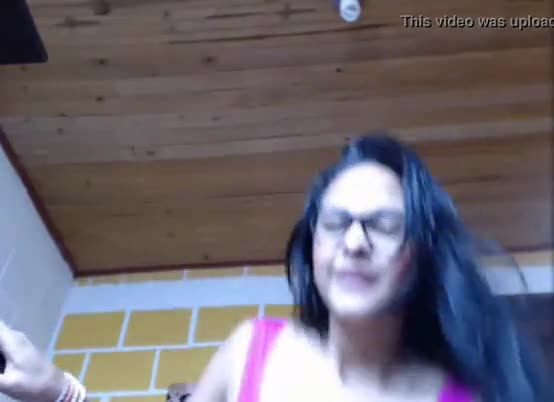 Peituda linda na webcam