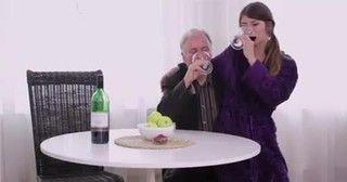 Padrasto comendo enteada novinha magrinha