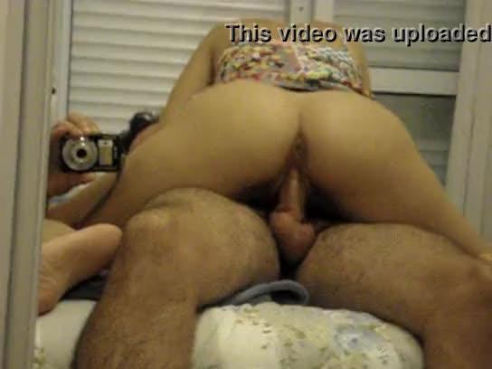 Marido filmando a foda amadora com esposinha puta