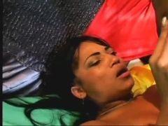 Moreninha hot tomando uma comida de cu forte